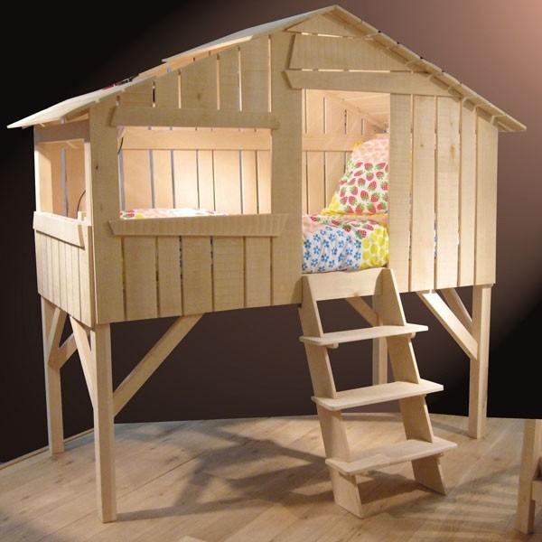 Un lit cabane dans la chambre de votre enfant le blog de val rie - Lit sureleve pour enfant ...