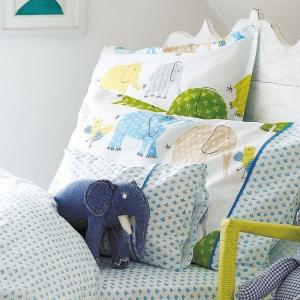 jolie housse de couette gallery of parure housse de couette oui oui jolie voiture with jolie. Black Bedroom Furniture Sets. Home Design Ideas