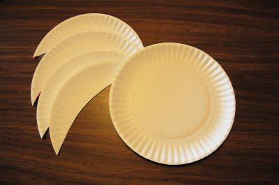 Поделки из тарелок и ложек 216