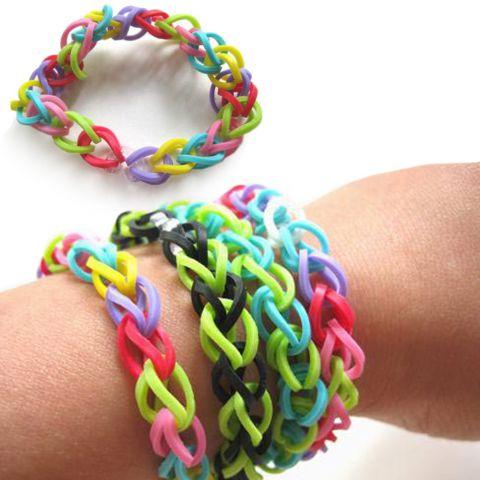 bracelets-d-elastiques-multicolores-loom-bands